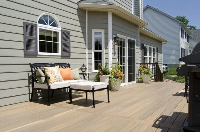 Cleaning Composite Decks the RIGHT Way