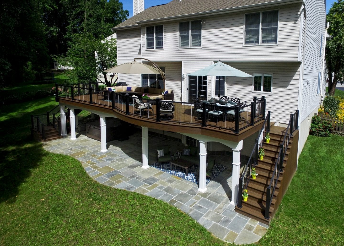 elevated deck with columns