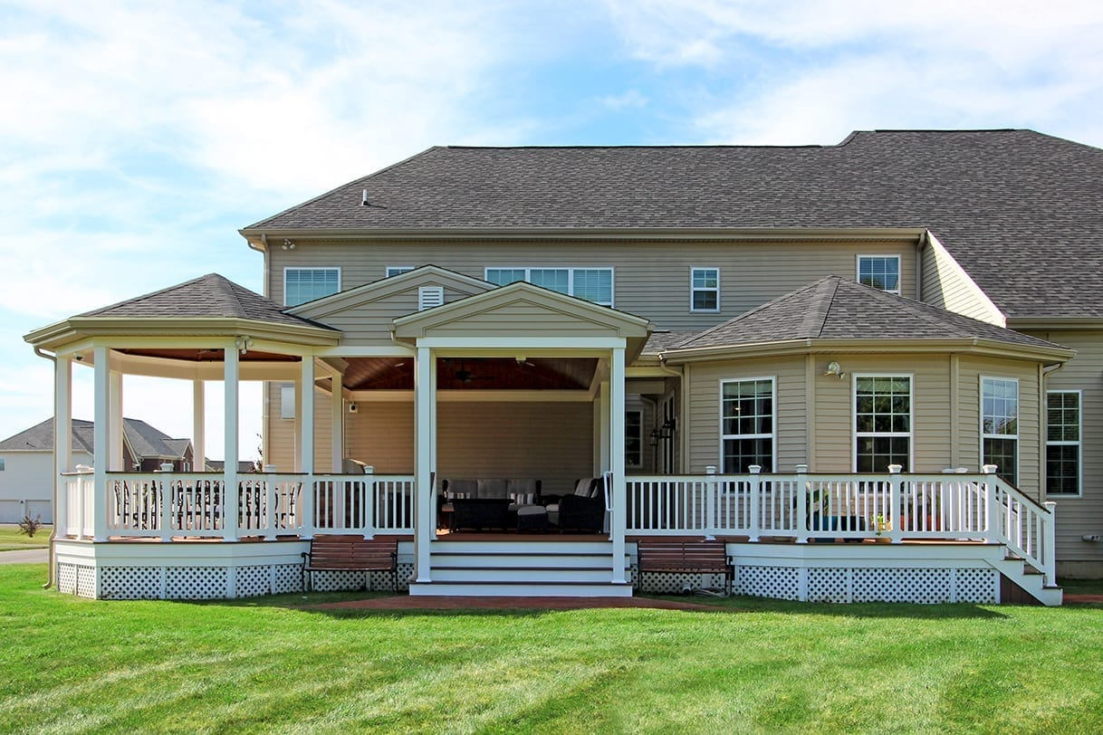 Custom Vinyl Deck / Porch - Newtown, PA 1