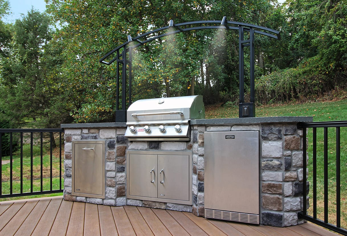 outdoor kitchen with lighting
