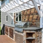 Bucci - Timbertech deck with pergola and kitchen