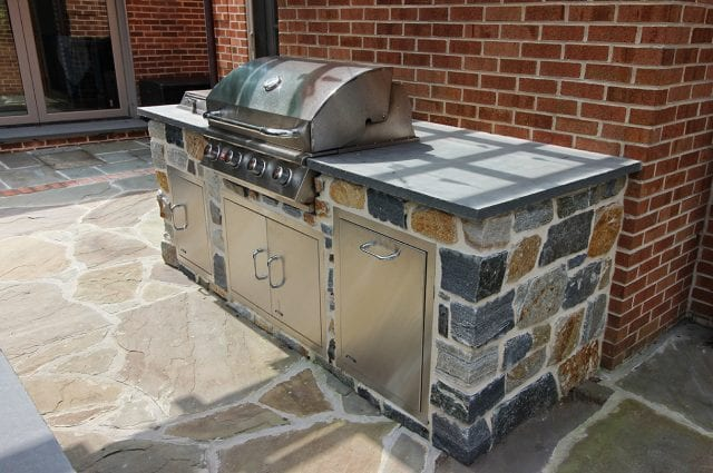 McElhaugh - Flagstone kitchen area and grill
