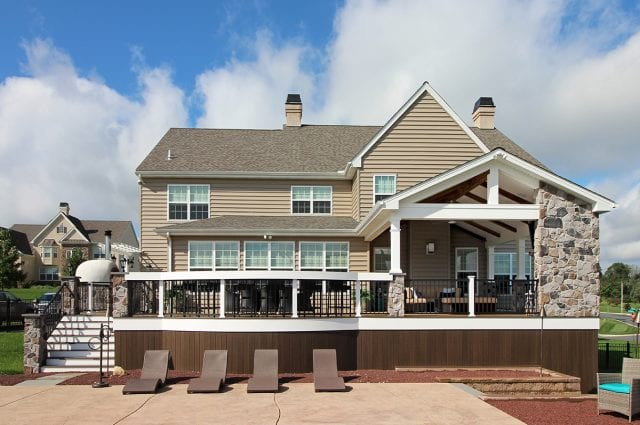 Lo - TimberTech Deck and porch with vertical decking