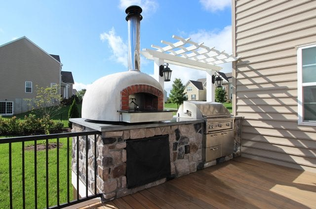 Lo - TimberTech Deck with pizza oven, Grill, and pergola
