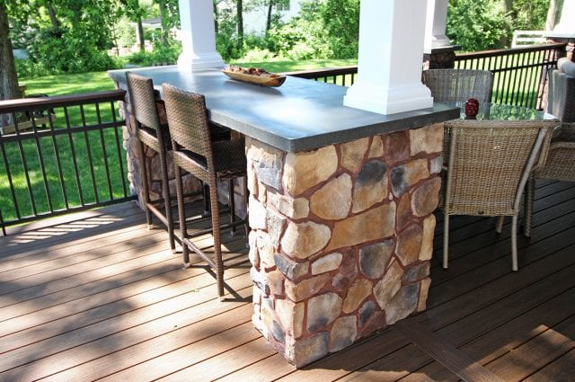 Polizzi - Trex Deck with stone bar counter