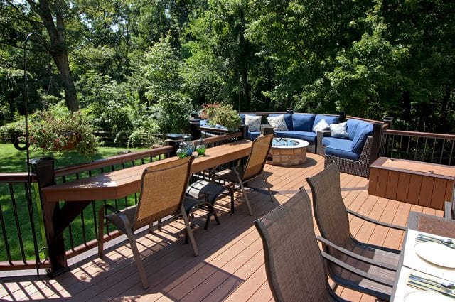 Gallagher - Timbertech antique palm deck with octagon
