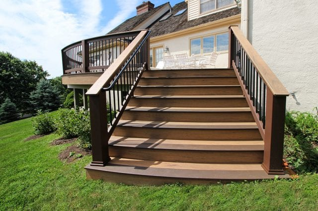 Ross - timbertech tigerwood deck with curved mocha steps