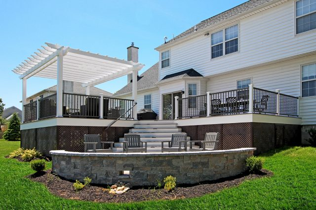 Weiss - timbertech deck with patio