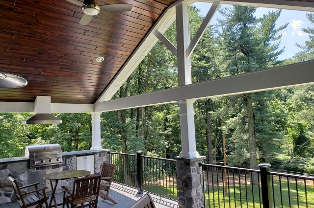 Legg - timbertech amazon mist deck and porch with pinewood ceiling