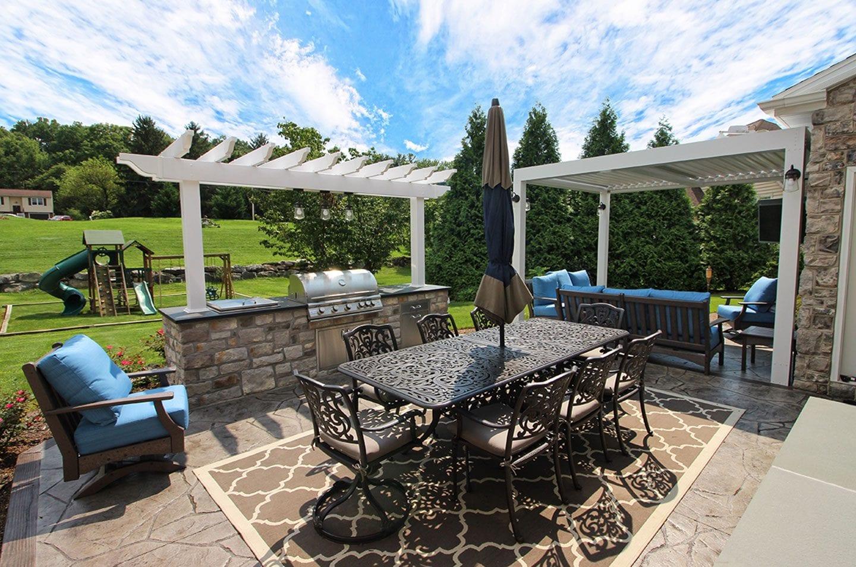patio space with pergola