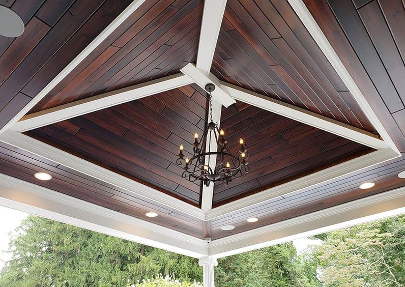 outdoor lighting deck trend