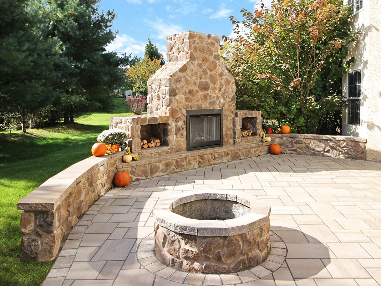 Firepits / Fireplaces 6