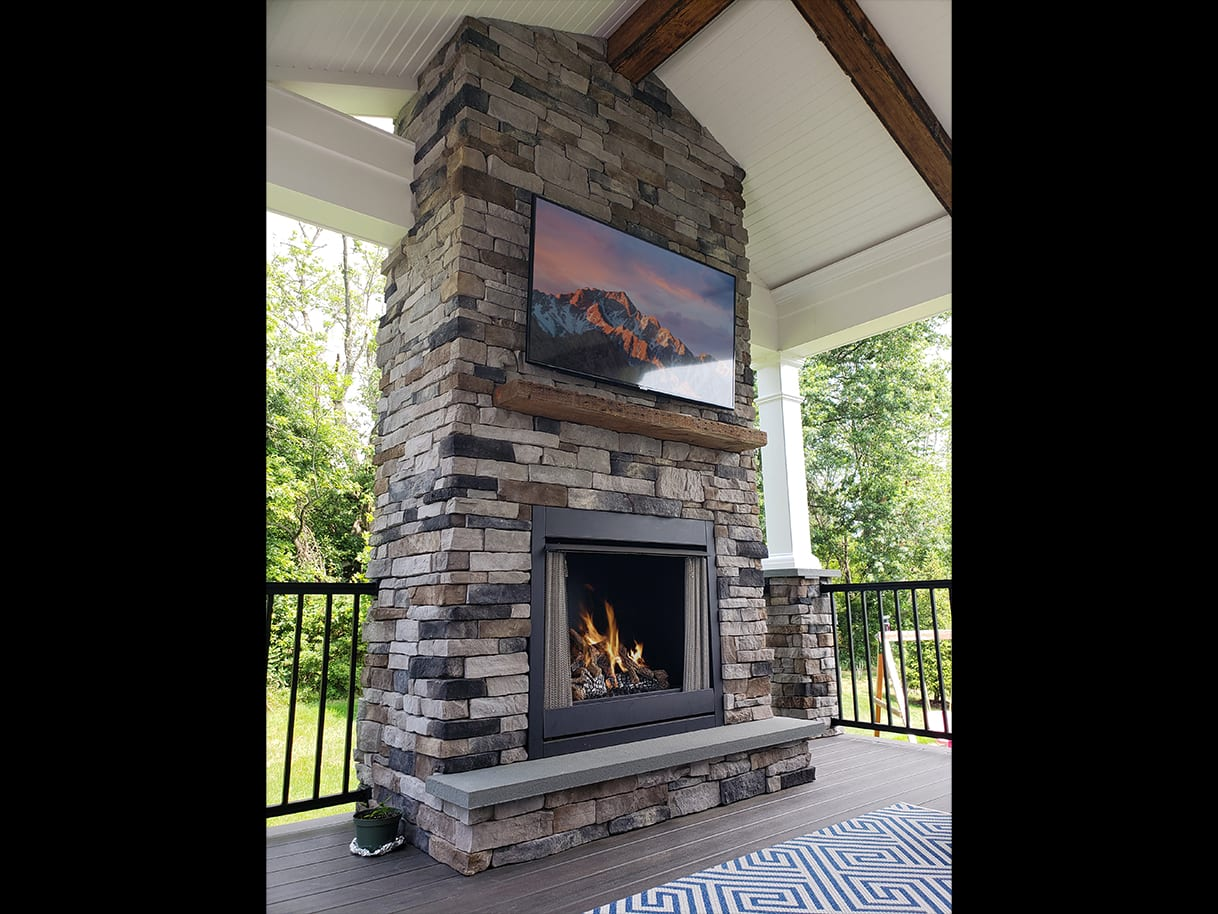 Firepits / Fireplaces 9