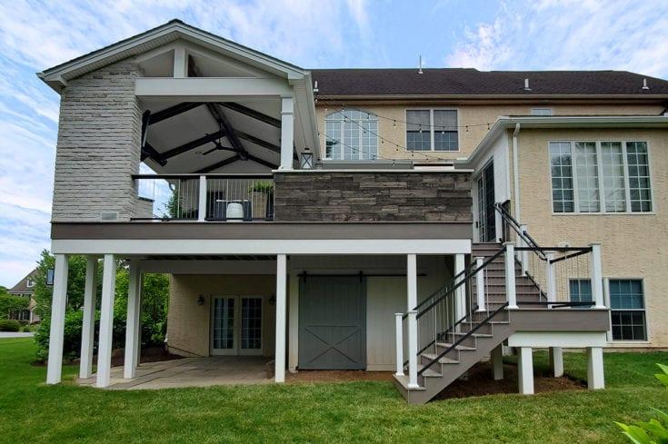 Barnwood Porch / Coastline Azek Deck – West Chester, PA