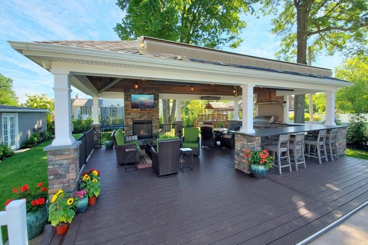 Custom Vintage Pool House / Trex Transcend Deck – Glenside, PA