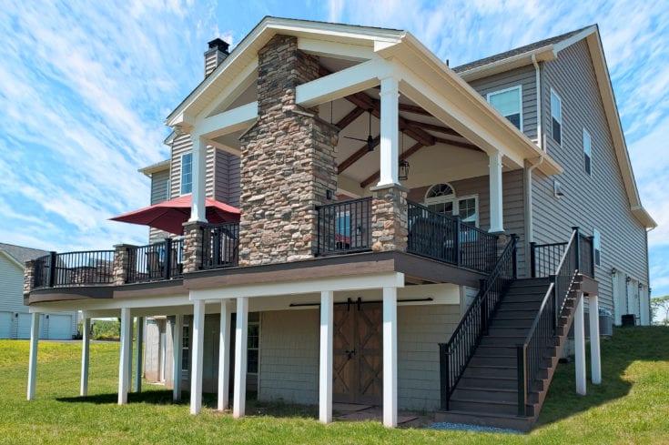 Barnwood Porch / Mocha TimberTech Deck – Furlong, PA