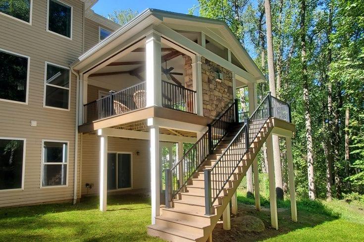 Barnwood Porch / TimberTech Deck – Elizabethtown, PA