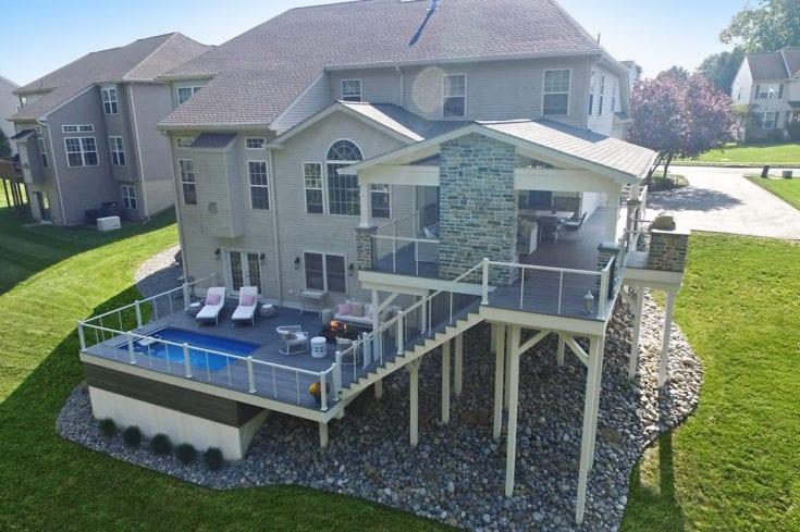 Barnwood Porch / Ashwood TimberTech Deck – Avondale, PA